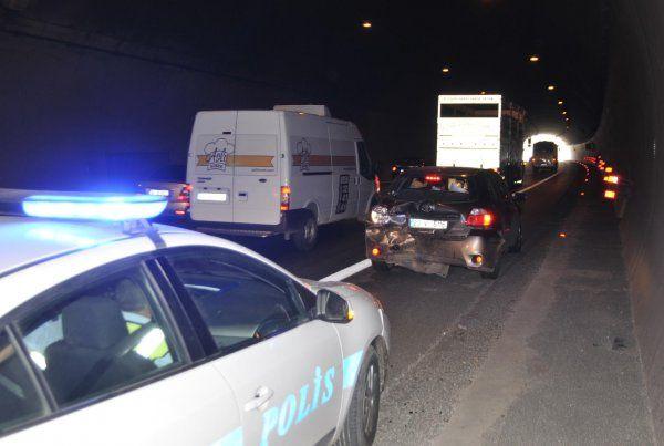 Bayram trafiğinde zincirleme kaza: 2 yaralı