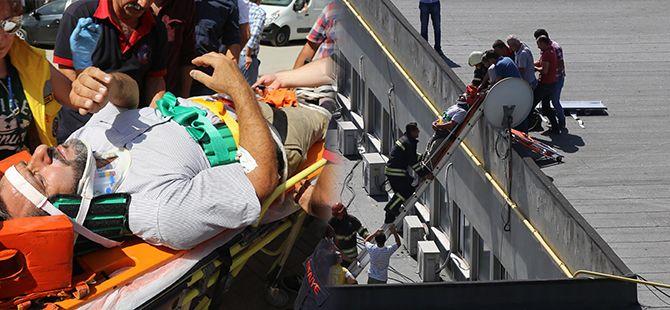 Havalandırma boşluğuna düşen işçiyi itfaiye kurtardı