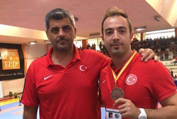 Mehmet Yakan İspanya'da kürsüye çıktı