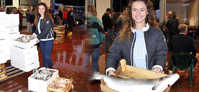 İki üniversite bitirdi balık halinde kabzımallık yapıyor