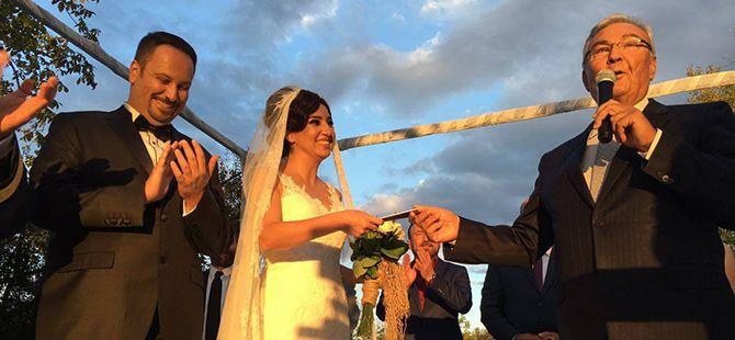 CHP'li BaşkanKüçükkaya evlendi