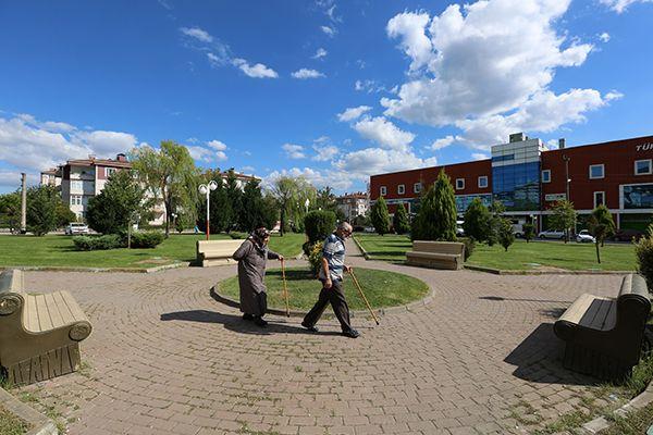 Yenikent'te Yaşam Alanları Yemyeşil