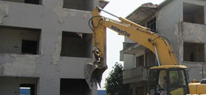 İzmit'te depremden kalma binalar yıkılacak