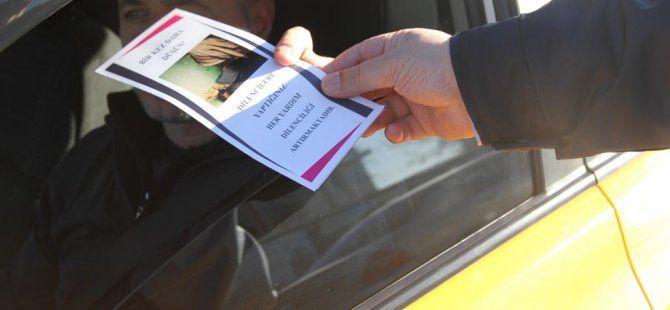 Zabıta dilencilere karşı broşür dağıttı