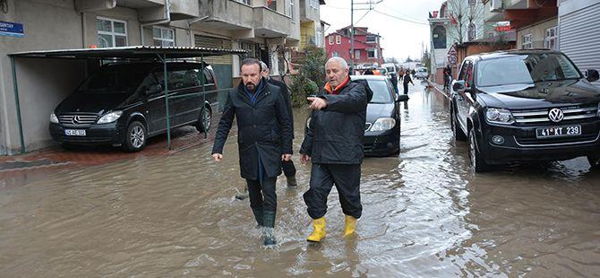 Başkan Doğan, su baskınlarını inceledi