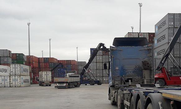 İşçi konteynerden düştü
