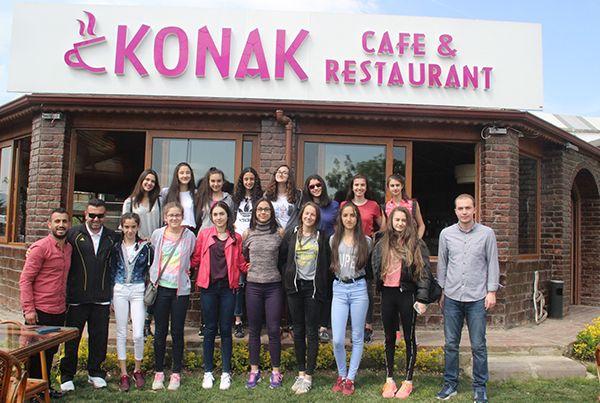 Şampiyon Yenikentspor kahvaltıda buluştu