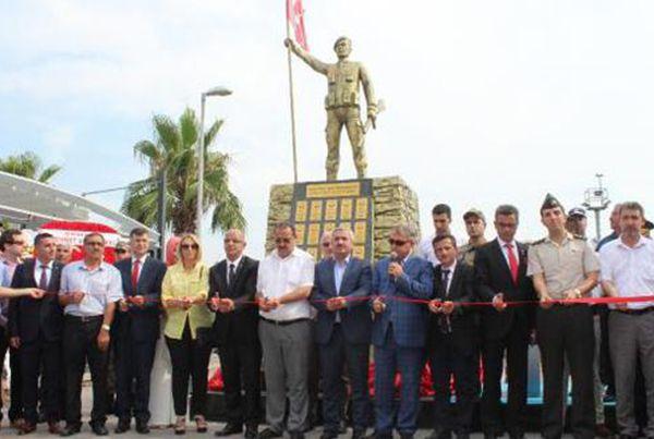 Körfez Şehitler Anıtı törenle açıldı