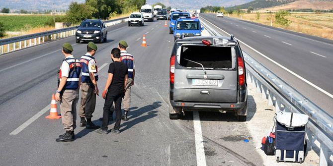 Kocaeli'den Trabzon'a giderken feci kaza! 1 ölü 4 yaralı