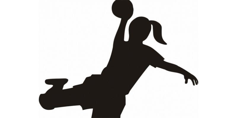 Liseli genç kızlar hentbol başlıyor