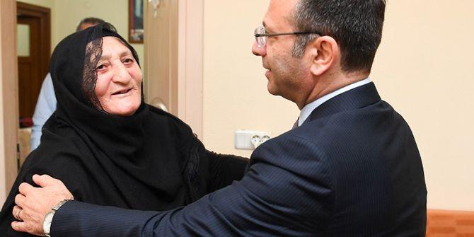 Kocaeli Valisi Aksoy'dan şehit ailesine ziyaret