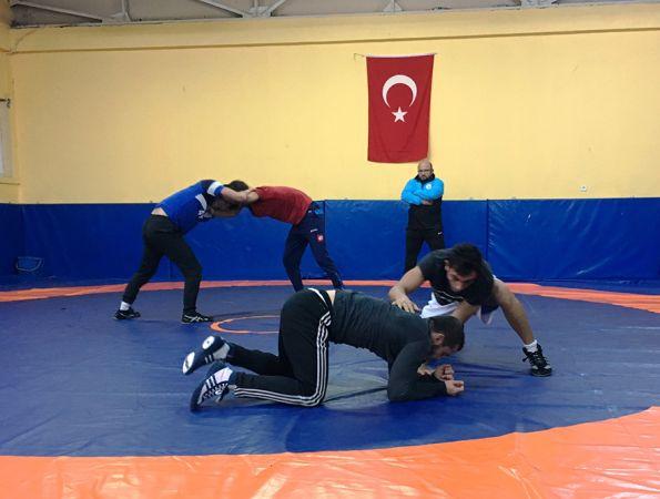 İzmit Belediyespor'da güreş seçmeleri yapıldı