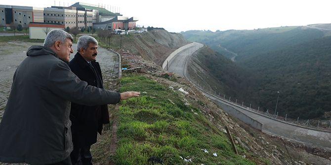 Karaosmanoğlu, KOÜ'de yapılan projeleri inceledi