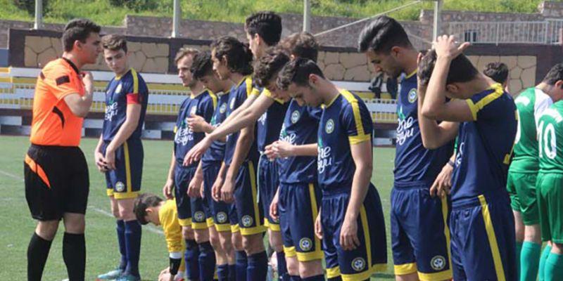 U17 Play-Off'ta üç grupta ilk hafta geçildi