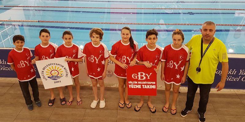 Gölcük Belediyeli minik yüzücülerinin başarısı
