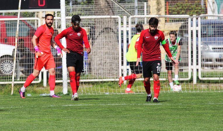 Birlikspor'da gençlerdeneyim kazanıyor