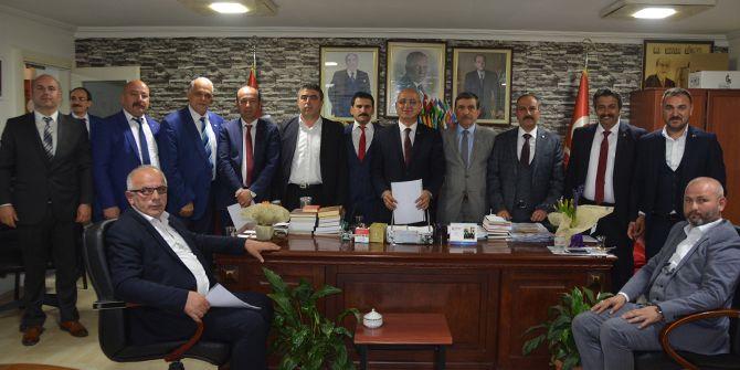 MHP'de adaylık istifaları bekleniyor