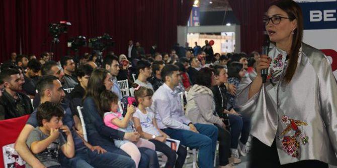 Azeri Milletvekili Paşayeva, gençlerle buluştu