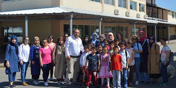 Kartepeli çocuklar, Bizimköy'de
