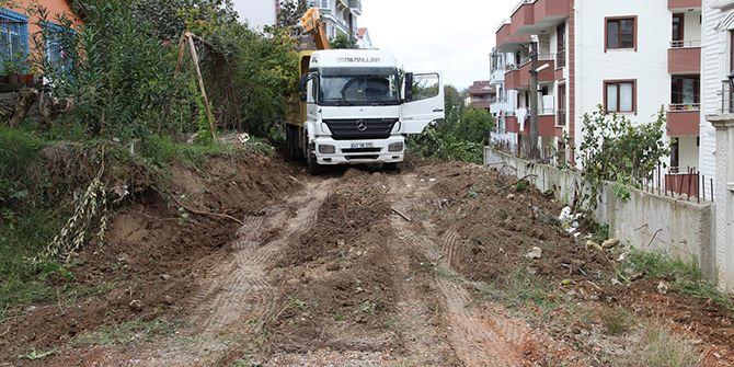 Başiskele'de yeni yollar açılmaya devam ediyor