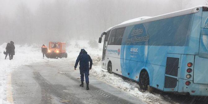 Kartepe'ye çıkmak isteyen öğrenciler 'kar'a takıldı