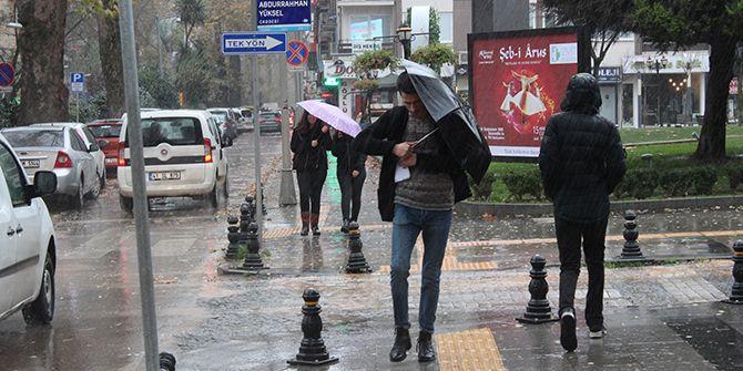 Yağmurlu ve rüzgarlı soğuk hava geliyor