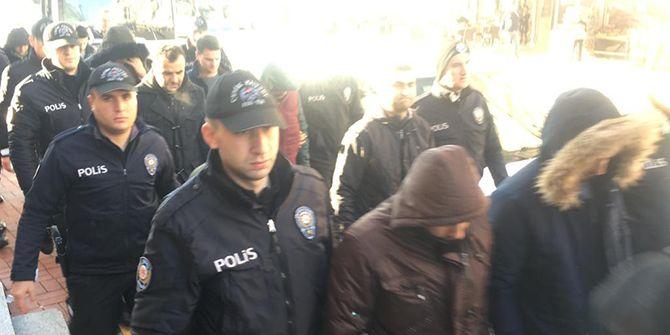 Gözaltına alınan 19 askeri personel adliyeye sevk edildi
