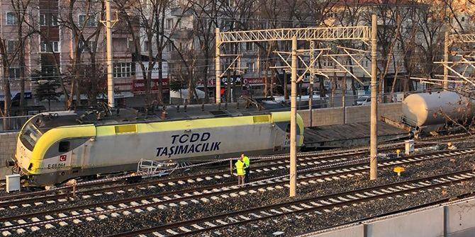 Kocaeli'den giden yakıt treni raydan çıktı