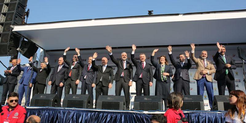 Başkan adaylarına alkış yağmuru