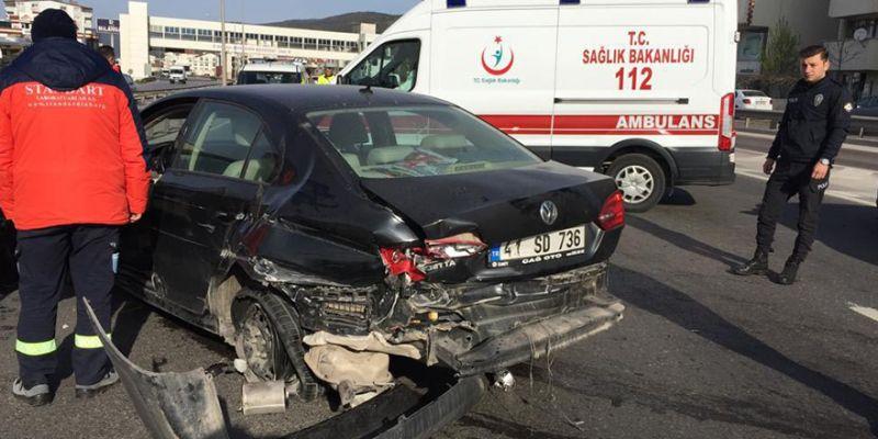 Önce bariyere sonra otomobile çarptı