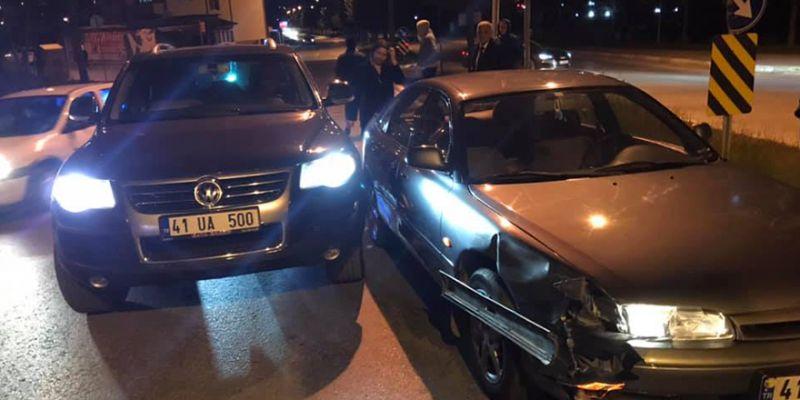 İYİ Partililerin aracı kaza yaptı