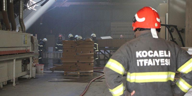 İzmit'te seçim günü yangın alarmı!