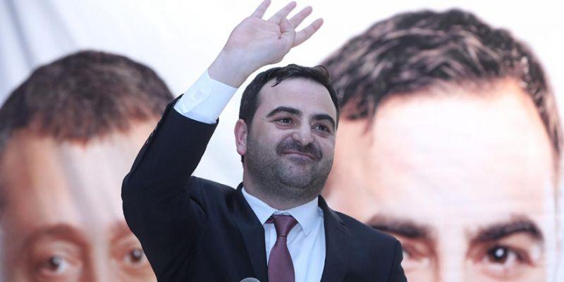 Başiskele'nin yeni başkanı Yasin Özlü oldu