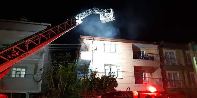 Baca yangını, bina sakinlerini sokağa döktü