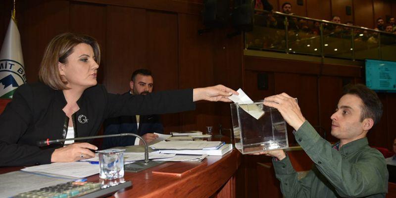 İzmit'te meclis yeniden toplanıyor