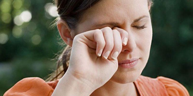 Sürekli göz kaşıma hasara neden olabilir