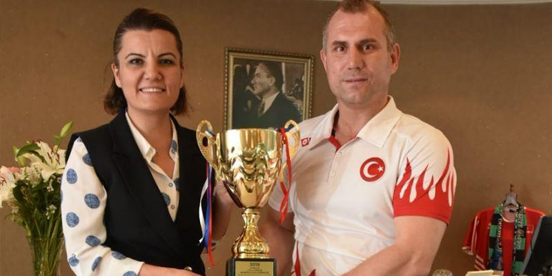 Nazmi Kahveciler, Balkan Şenlikleri'nde şampiyon oldu