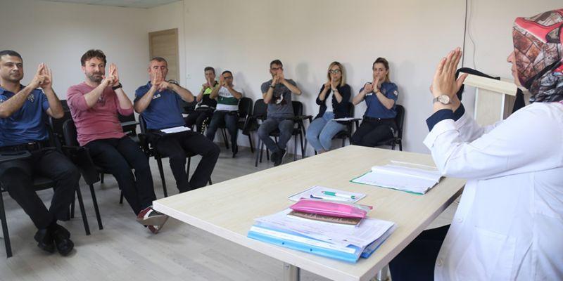 KO-MEK'ten polise işaret dili eğitimi