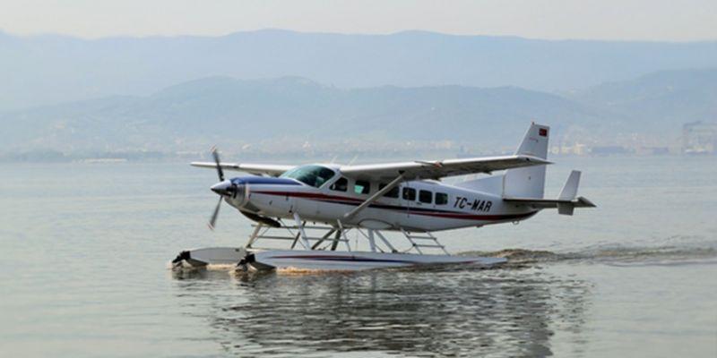 Büyükşehir deniz uçağını satışa çıkardı