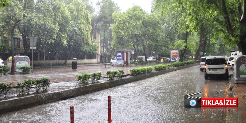 İzmit yine sağanak yağışa teslim oldu