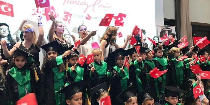 Tuncay Emir'de mezuniyet töreni