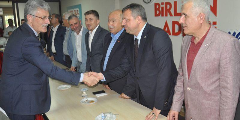 AK Parti'de yenilenme harekatı