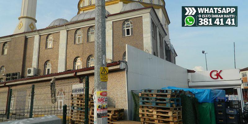 Ulus Camii çevresi çok dağınık durumda