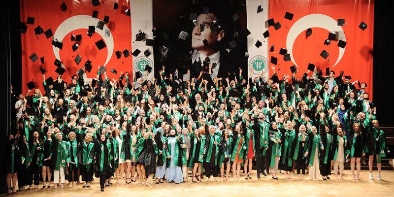 Eğitim Fakültesi'nden 500 öğrenci mezun oldu