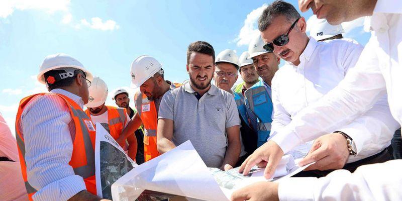 Büyükakın: Metro inşaatı devam ediyor