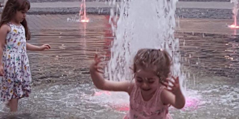 Süs havuzunda serinleme oyunu