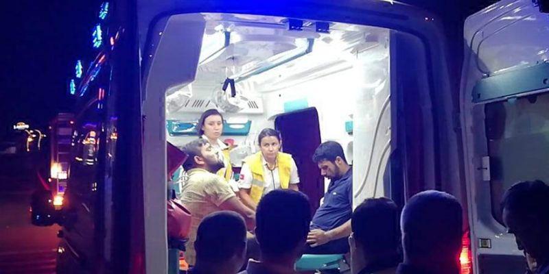Takla atan araçtaki kardeşler yaralandı