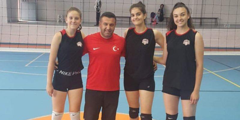 Voleybolda, Yenikent'ten İhsaniyespor'a destek