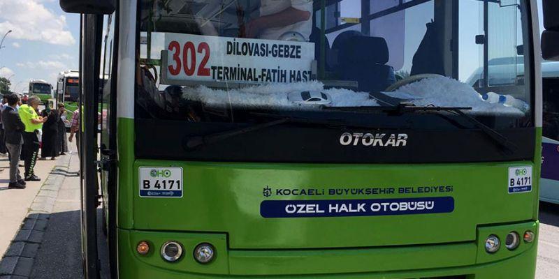 İnanılmaz ölüm! Hareket halindeki otobüsten düştü