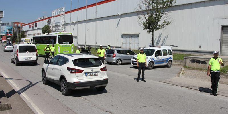 Kocaeli'de 1 ayda 23 bin TL trafik cezası kesildi
